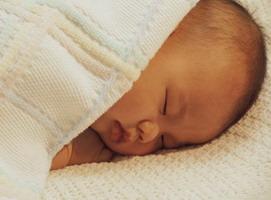 Как выбрать подарок для новорожденного?