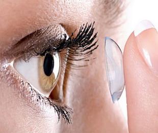 Выбрать очки или контактные линзы?