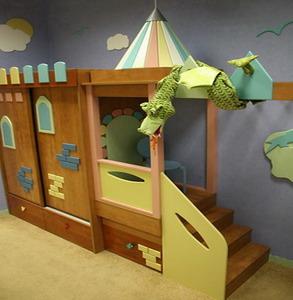 Шкаф-купе в дизайне детской комнаты