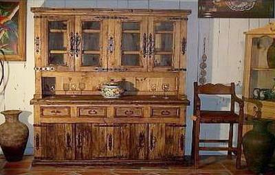 Состаренная деревянная мебель - основа средиземноморского стиля