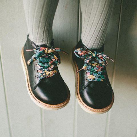 Как выбрать обувь для ребенка по размеру стопы
