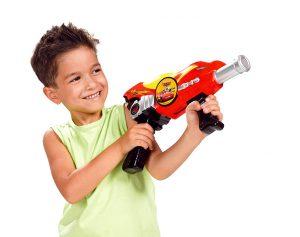 Игрушечное оружие обожают все мальчишки