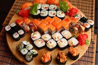 Изысканные блюда японской кухни. Как заказать суши и роллы: онлайн-сервис доставки еды на дом